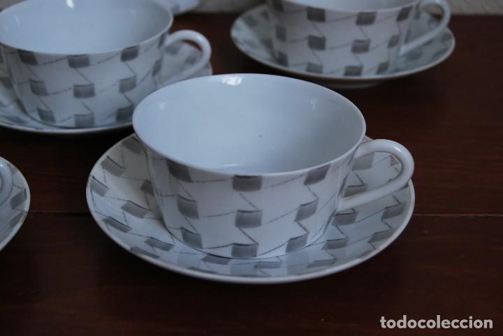 Antigüedades: JUEGO DE CAFÉ O TÉ DE PORCELANA CASTRO - JARRA, TAZAS Y PLATOS - AÑOS 50-60 - SARGADELOS - Foto 5 - 142158717