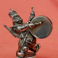 Antigüedades: SOLDADO MUSICO REALIZADO INTEGRAMENTE EN PLATA DE LEY. CIRCA 1940. Lote 101435607