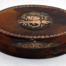 Antigüedades: CAJITA EN CAREY Y DECORACIONES EN ORO DE LEY. CIRCA 1900. Lote 101438639