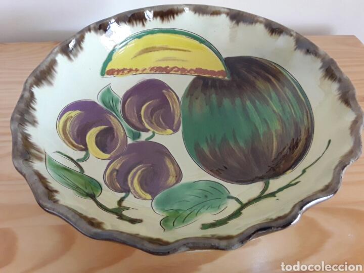 GRAN PLATO CERÁMICA LA BISBAL (Antigüedades - Porcelanas y Cerámicas - La Bisbal)