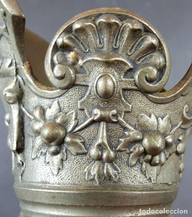 Antigüedades: PAREJA DE JARRAS. CALAMINA Y PORCELANA. ESTILO NEO RENACENTISTA. ALEMANIA. SIGLO XIX. - Foto 11 - 101523943