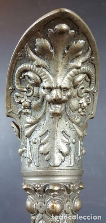 Antigüedades: PAREJA DE JARRAS. CALAMINA Y PORCELANA. ESTILO NEO RENACENTISTA. ALEMANIA. SIGLO XIX. - Foto 15 - 101523943