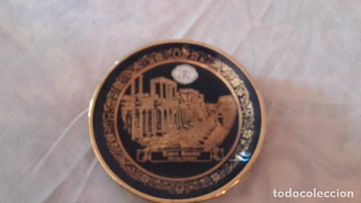 Antigüedades: Plato de porcelana azul cobalto y oro de ley,teatro romano de mérida badajoz. 2000 porcelanas. - Foto 2 - 101549075