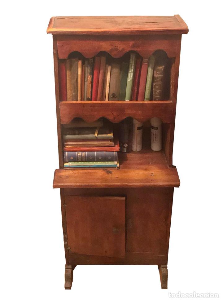 Antigüedades: Estantería- librería antigua de madera. Estilo Rustico. Muy decorativa.Tengo la pareja. - Foto 2 - 101736071