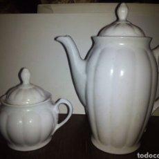 Antigüedades: CAFETERA Y AZUCARERO DE MAN, SANTA CLARA VIGO.. Lote 101758271