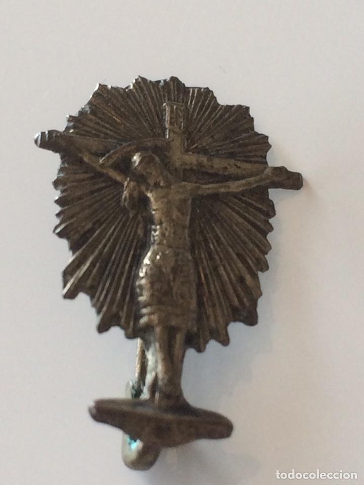 CRUCIFIJO CON IMPERDIBLE 2X2CM (Antigüedades - Religiosas - Medallas Antiguas)