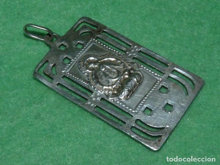 BELLA MEDALLA PLATA 916 VIRGEN NUESTRA SEÑORA DE LA CABEZA ANDUJAR JAEN AÑOS 30 TROQUELADA (Antigüedades - Religiosas - Medallas Antiguas)
