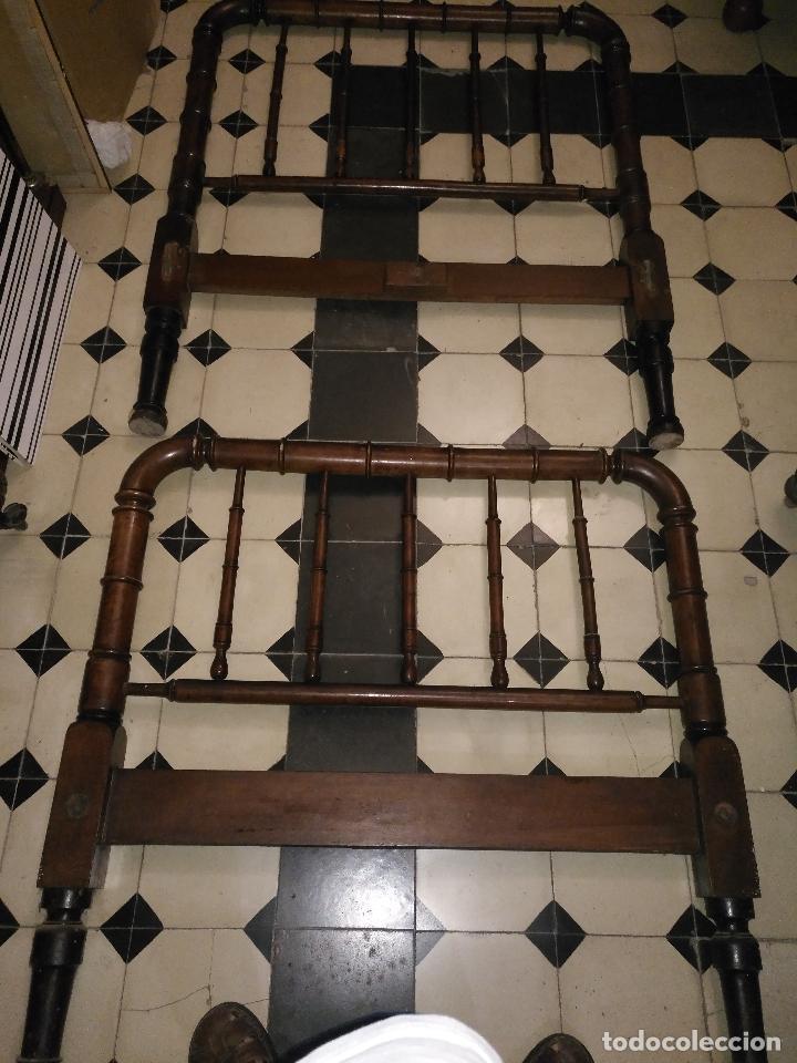 Antigüedades: CAMA DE MADERA ANTIGUA TORNEADA - Foto 10 - 101781463