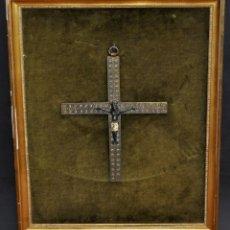 Antigüedades: BONITO CRUCIFIJO EN BRONCE ESMALTADO. CIRCA 1900. Lote 101832963