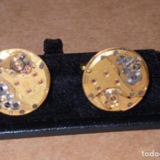 Antigüedades: GEMELOS MAQUINARIA DE RELOJ - DORADO. Lote 101854299