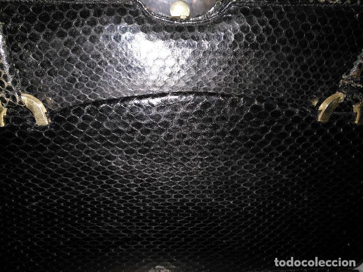 Antigüedades: bolso fiesta de piel de serpiente negro antiguo original con monedero - Foto 3 - 101924715