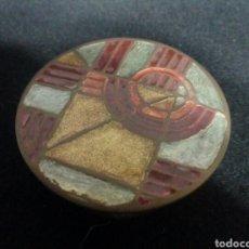 Antigüedades: CAJITA ART DECO LATON BAÑADO EN BRONCE, AÑOS 30 MODERNISTA, ART NOUVEAU, ART NOVEAU, CAJA. Lote 101929126
