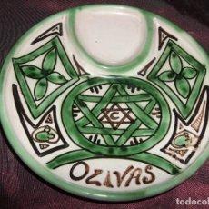 Antigüedades: PLATO CERÁMICA TERUEL . DOMINGO PUNTER. OLIVAS. Lote 101929635