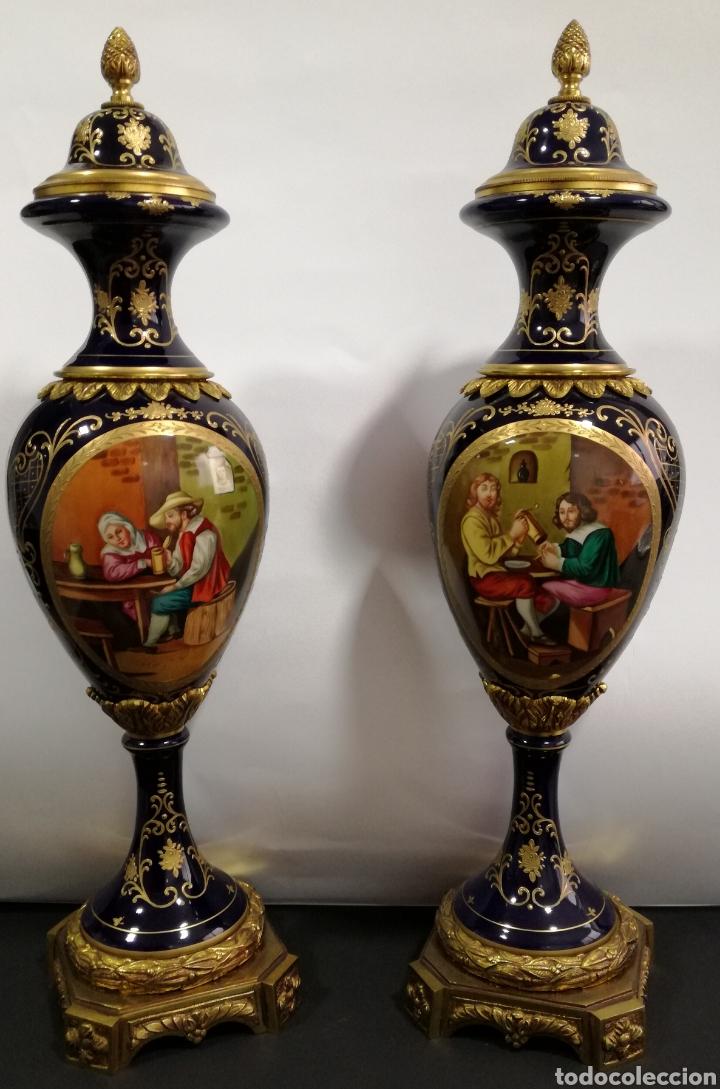 PAREJA DE JARRONES DE PORCELANA Y BRONCE (Antigüedades - Hogar y Decoración - Jarrones Antiguos)