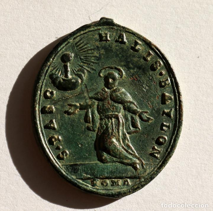 ESCASA ANTIGUA MEDALLA BEATO ANDRES HIBERNON ROMA Y SAN PASCUAL BAILON S.XVII-XVIII (Antigüedades - Religiosas - Medallas Antiguas)