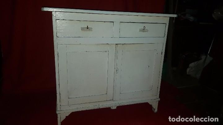 Antiguo mueble de cocina pintado en blanco comprar - Muebles pintados en blanco ...