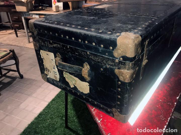 Antigüedades: Antigua maleta baul con etiquetas y direcciones. - Foto 4 - 102013219