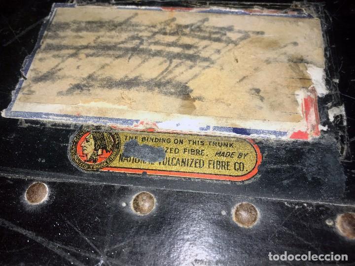 Antigüedades: Antigua maleta baul con etiquetas y direcciones. - Foto 7 - 102013219