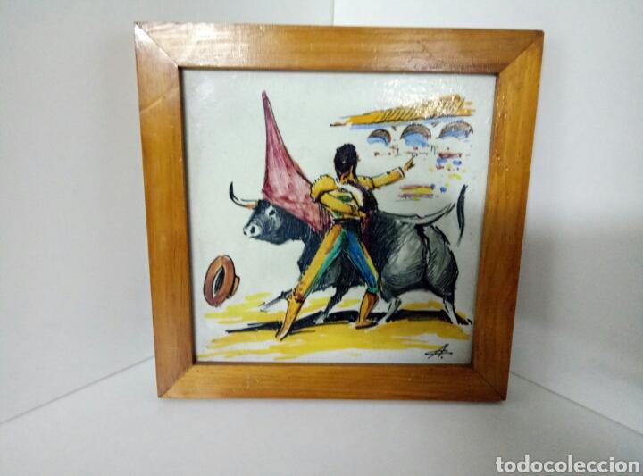 AZULEJO TORERO TOREANDO MEDIDAS 23X23CMS DE PORCELANA (Antigüedades - Porcelanas y Cerámicas - Azulejos)