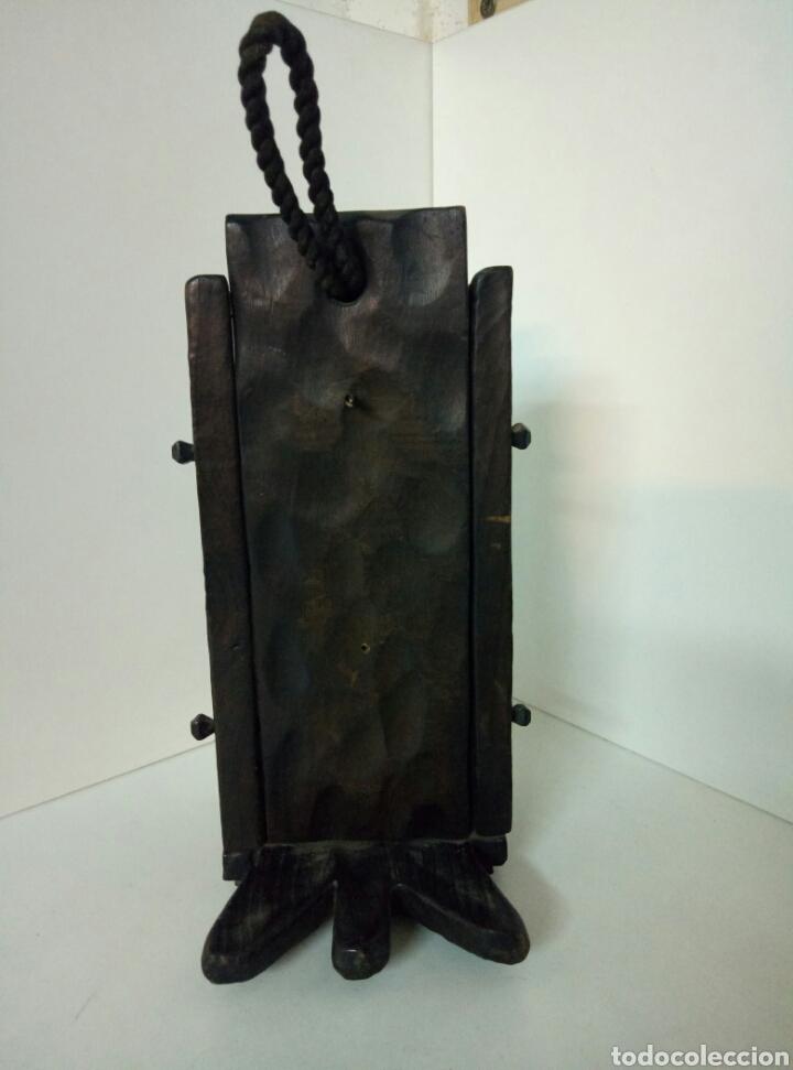 Antigüedades: RUSTICO Farol de pared de vela hecho de madera REPLICA DEL MONASTERIO DE PIEDRA MEDIDAS 28X12X14CMS - Foto 3 - 102104671