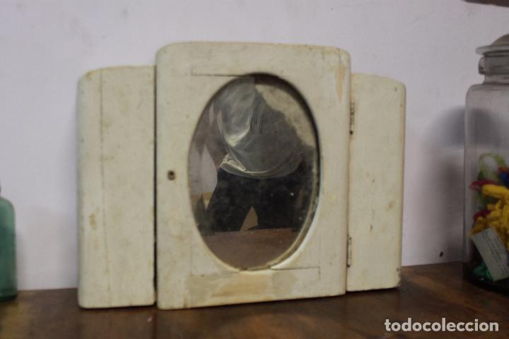 BONITO ARMARITO CON ESPEJO COLOR BLANCO, SIN LLAVE. MEDIDAS EN FOTO (Antigüedades - Muebles Antiguos - Espejos Antiguos)