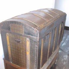 Antigüedades: ANTIGUO BAUL DE VIAJE.. Lote 102261959