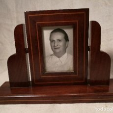 Antigüedades: PRECIOSO MARCO PORTARETRATOS FOTOS ART DECO EN MADERA MACIZA CAOBA Y LIMONCILLO-BOJ ESPAÑA 1900-1920. Lote 102359279