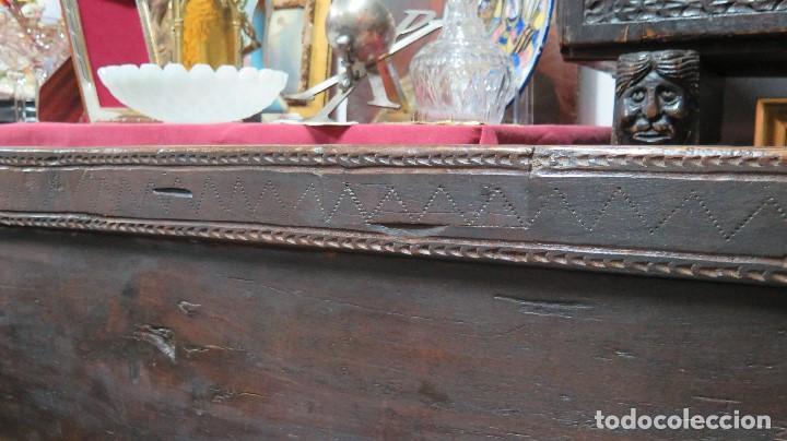 Antigüedades: ESCAÑO O BANCA DE NOGAL ESPAÑOL. SIGLO XVII - Foto 5 - 102371075