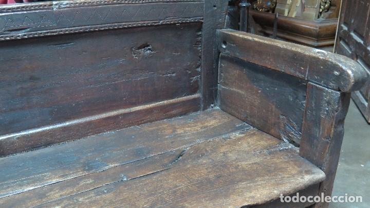 Antigüedades: ESCAÑO O BANCA DE NOGAL ESPAÑOL. SIGLO XVII - Foto 7 - 102371075