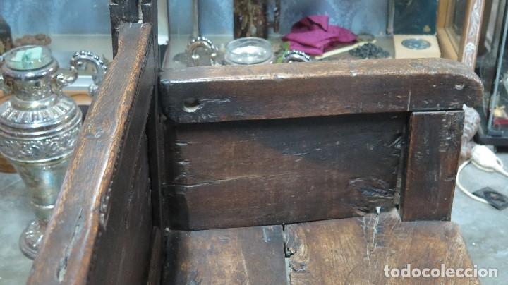 Antigüedades: ESCAÑO O BANCA DE NOGAL ESPAÑOL. SIGLO XVII - Foto 18 - 102371075