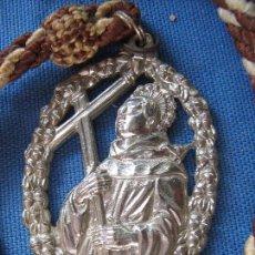 Antigüedades: MEDALLA CON CORDON HERMANDAD DE SAN DIEGO - SAN NICOLAS DEL PUERTO - HUELVA. Lote 102426939