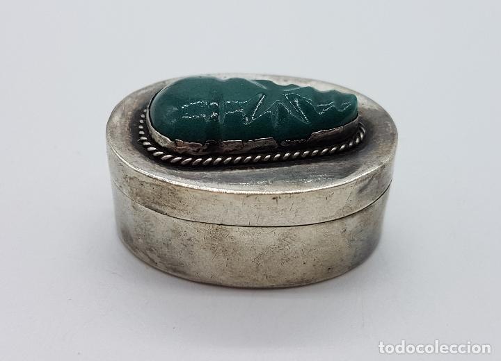 Antigüedades: Cofre antiguo en plata de ley punzonada con cabujon de jade tallado a mano, TULUM, MEXICO . - Foto 2 - 102443399