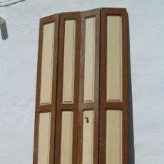 Antigüedades: PUERTA DOBLE PLEGABLE DE MADERA PARA INTERIOR. Lote 102453979