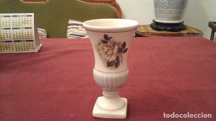 PRECIOSO FLORERITO EN FINA PORCELANA HOLANDESA (Antigüedades - Porcelana y Cerámica - Holandesa - Delft)