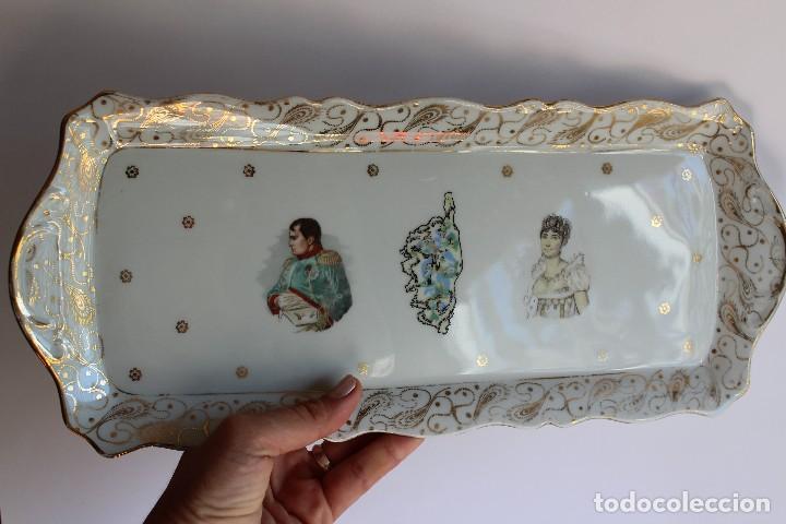 ANTIGUA BANDEJA DE LIMOGES PORCELANA DECORADA EN ORO E IMAGEN DE NAPOLEON Y JOSEFINA (Antigüedades - Porcelana y Cerámica - Francesa - Limoges)