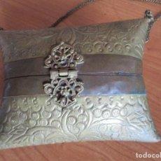 Antigüedades: ANTIGUO BOLSO FRANCES DE LATON Y COBRE. Lote 102605655