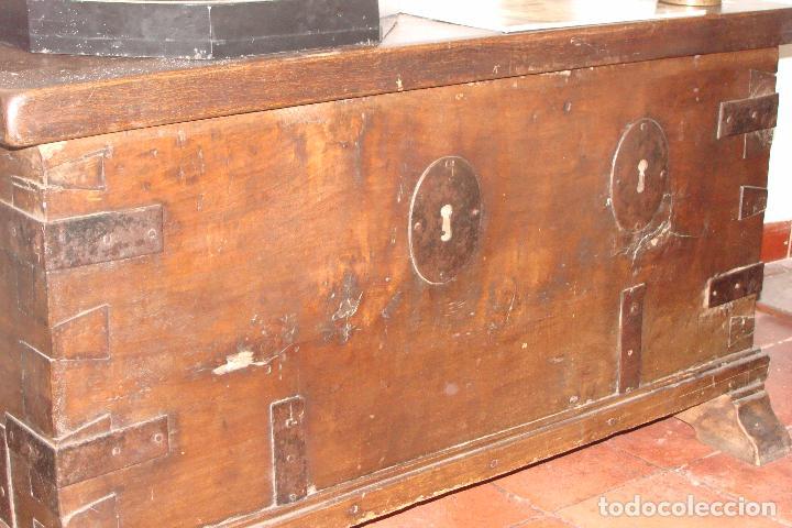 ARCÓN DE DOS CERRADURAS - SIGLO XIX (Antigüedades - Muebles Antiguos - Baúles Antiguos)