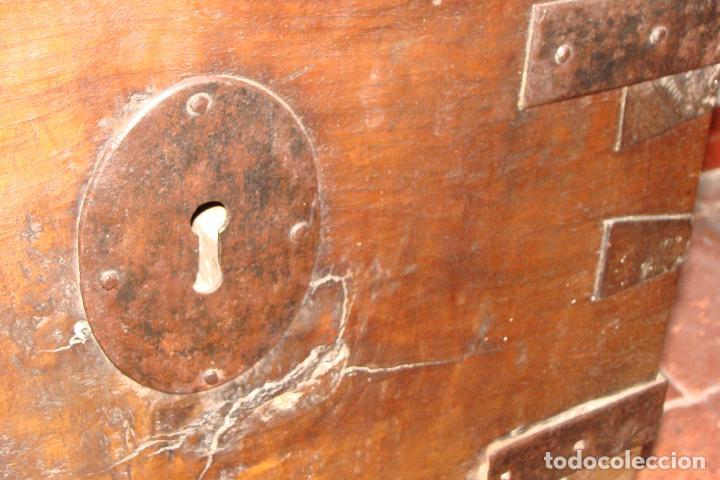 Antigüedades: Arcón de dos cerraduras - Siglo XIX - Foto 4 - 102624235