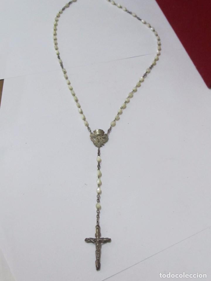 ROSARIO METÁLICO CON BOLAS DE NÁCAR (Antigüedades - Religiosas - Rosarios Antiguos)