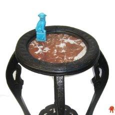 Antigüedades: FANTASTICA MESA ANTIGUA ORIGINAL GUERIDON CHINESCA FRANCIA CIRCA 1870 MADERA EBONIZADA Y MARMOL. Lote 102719087