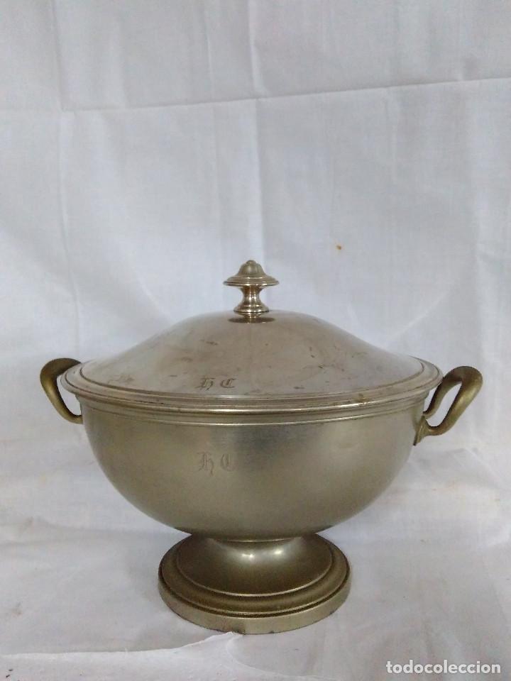 Antigüedades: Antigua fuente o sopera de metal plateado, de la marca Gombault. - Foto 2 - 102745155