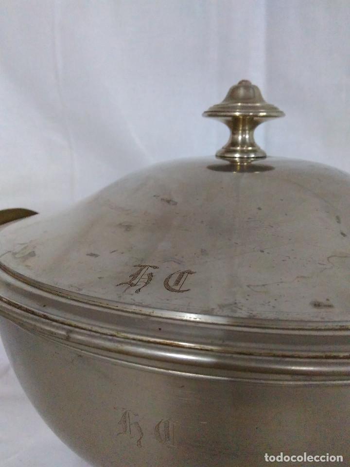Antigüedades: Antigua fuente o sopera de metal plateado, de la marca Gombault. - Foto 4 - 102745155