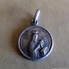 Antigüedades: MEDALLA DE PLATA. SANTA TERESA DE JESUS. 1, 5 CM. Lote 102776343