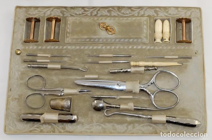 Antigüedades: PRECIOSA CAJA COSTURERA EN MADERA DE RAICES Y MARQUETERIA BOULLE. SIGLO XIX - Foto 8 - 102785447