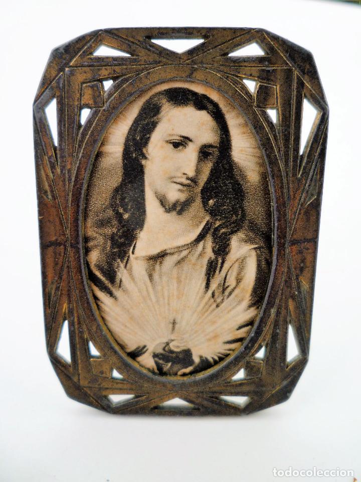 PEQUEÑO PORTAFOTOS DE BRONCE ART NOUVEAU FRANCES DE 1900 PIEZA NUMERADA DE COLECCION Nº89 (Antigüedades - Hogar y Decoración - Portafotos Antiguos)