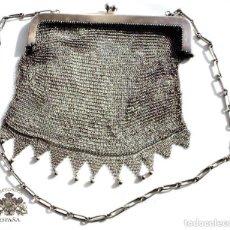 Antigüedades: BOLSITO DE MALLA EN PLATA PRINCIPIOS SIGLO PASADO. MUY BUEN ESTADO - 18,20 X 21,5 CM PESO 305 GRAMOS. Lote 102803211