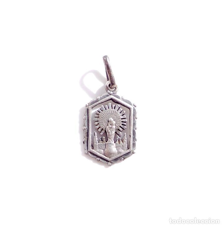MEDALLA RELIGIOSA DE PLATA VIRGEN DEL PILAR (Antigüedades - Religiosas - Medallas Antiguas)