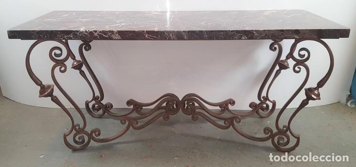 Mesa jard n hierro forjado sobre de m rmol e vendido for Muebles de jardin de hierro forjado