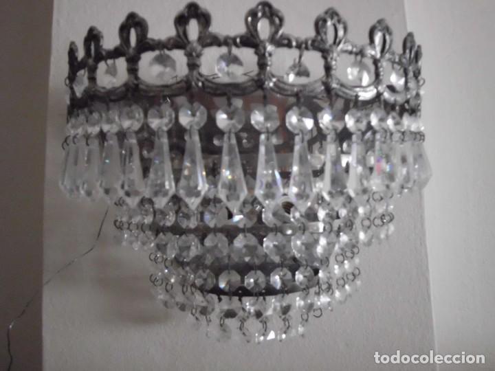 Antigüedades: Lámpara aplique de metal con cristales tallados - Foto 3 - 102826647