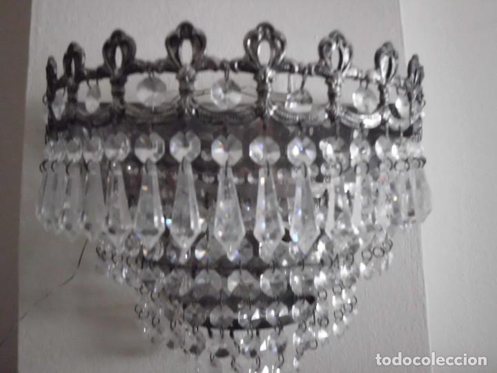 Antigüedades: Lámpara aplique de metal con cristales tallados - Foto 4 - 102826647